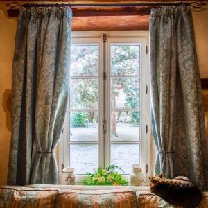 Fenêtre Estillou avec crémone véritable vieil argent Atulam