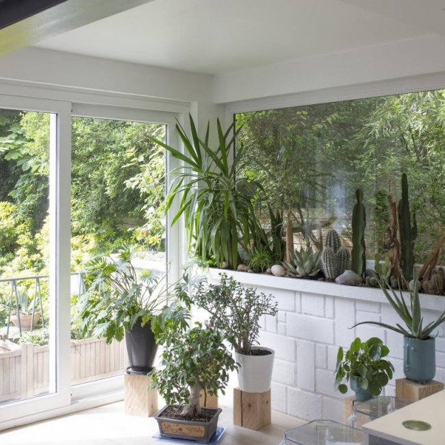 Baie coulissante et fenêtre fixe en bois Atulam