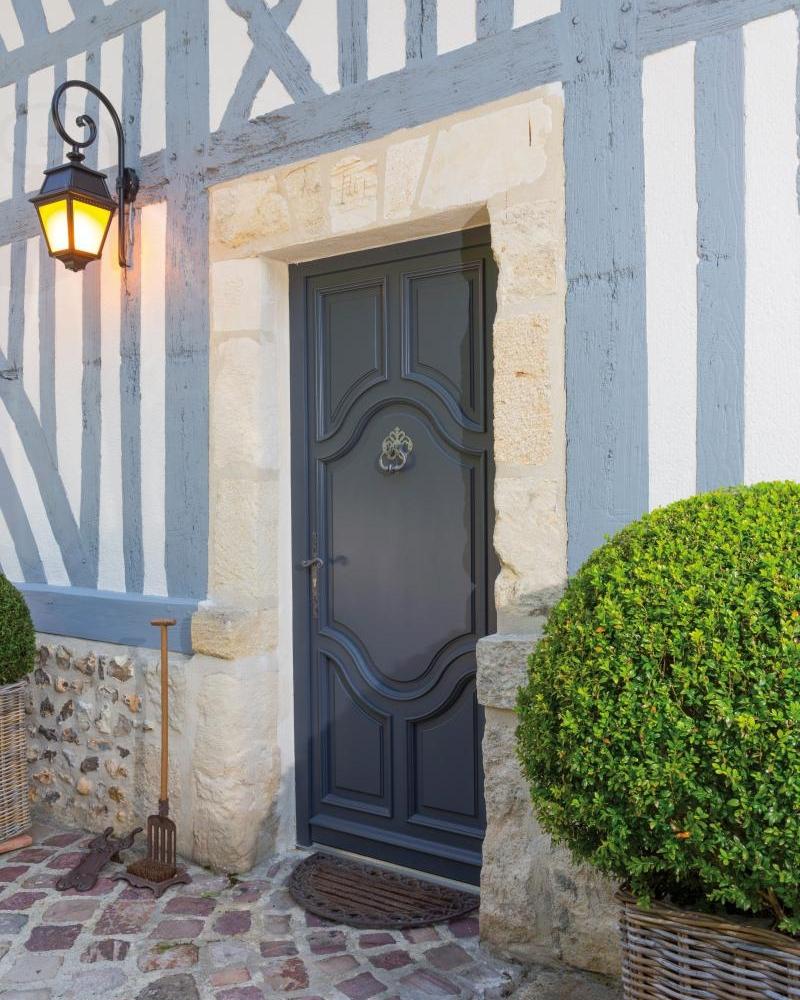 Porte entrée manoir Atulam
