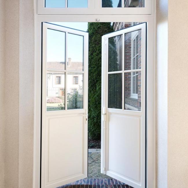 Porte fenêtre en bois Estibelle avec crémone pompier Atulam
