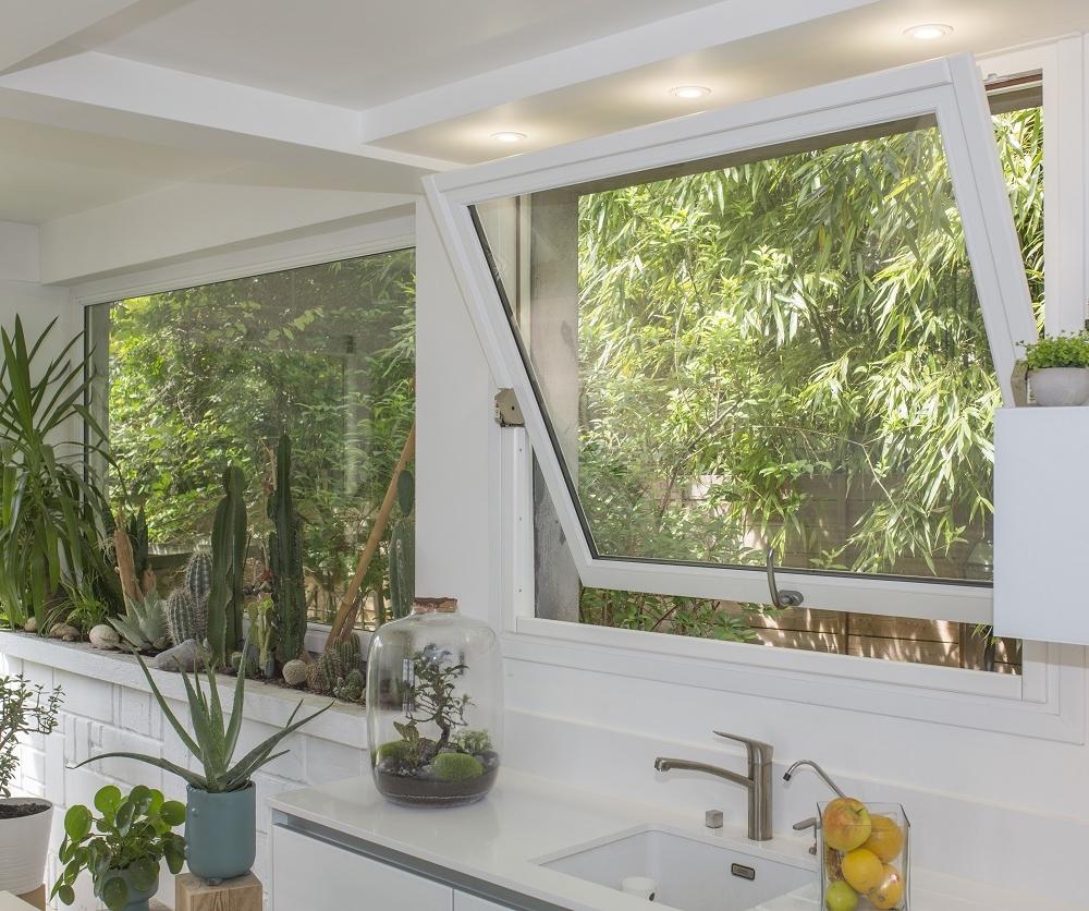 Fenêtre basculante en bois Atulam