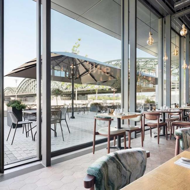 Portes fenêtres Restaurant Solarlux